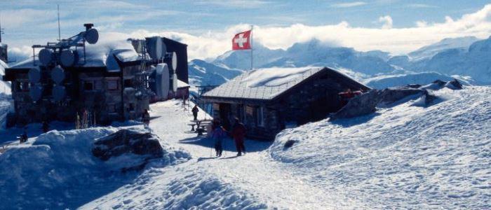 Switzerland to halve its emissions by 2030